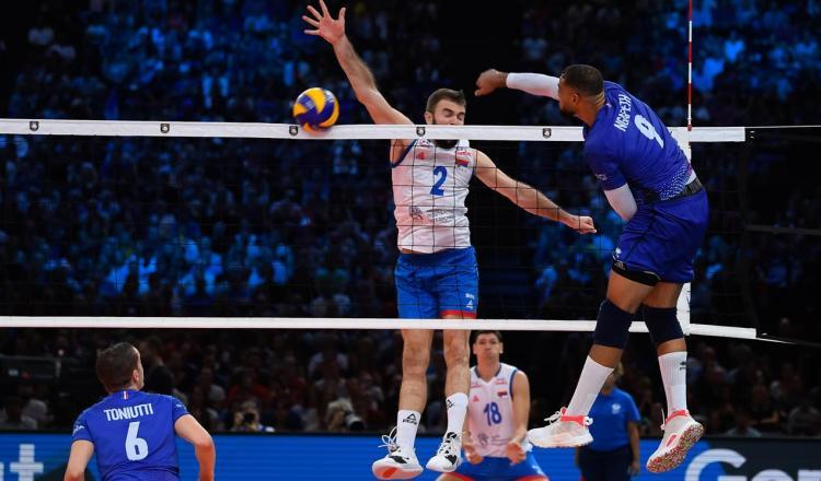 srbija francuska 3-2 polufinale evropskog prvenstva za odbojkase finale sa slovencima primac uros kovacevic blok 1 na 1