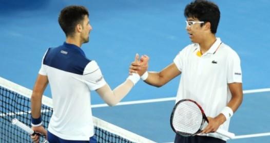 AUSTRALIJEN OPEN 2018 - OSMINA FINALA: Novak poražen od Čunga, novi problemi sa laktom