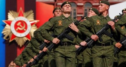 70 GODINA POBEDE NAD FAŠIZMOM: Parada pobednika na moskovskom Crvenom trgu