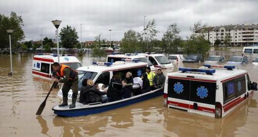 Poplave u Srbiji - telefoni i žiro-računi za pomoć ugroženima