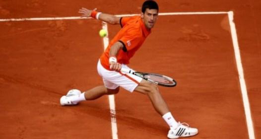 ROLAN GAROS - PETI DAN: Novak siguran i pored lakše povrede, Viktor ispao od Bolelija